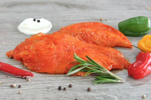 Putengrillsteaks in Paprika-Jogurt-Marinade