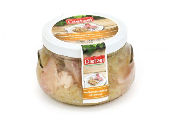 Eisbeinfleisch mit Sauerkraut